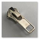 Бегунок для металлической молнии тип 8. № 81A